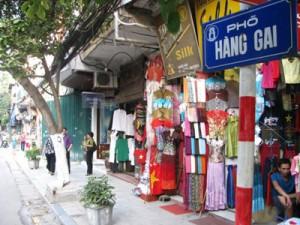 """La rue Hang Gai, ou encore surnommé """"Rue de la soie"""""""