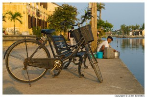 la vie au bord de la riviere Thu Bon