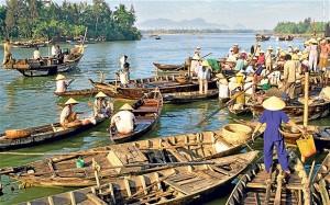 Les Sampans sur la rivière Thu Bon