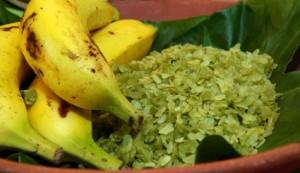 Le côm se consomme à la merveille avec des bananes ou des kakis murs.