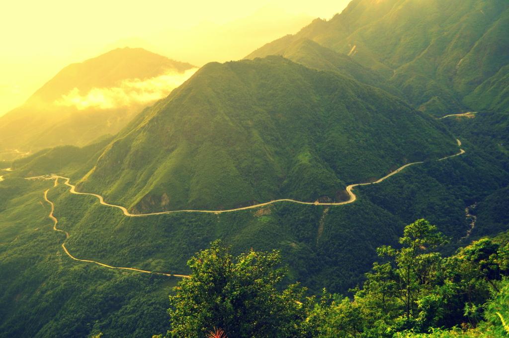 Le coucher du soleil au sommet Col d'O Quy Ho