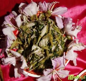La fleur hoa ban, ou bauhinia sauté